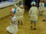 Снеговик на утреннике в детском саду)))))